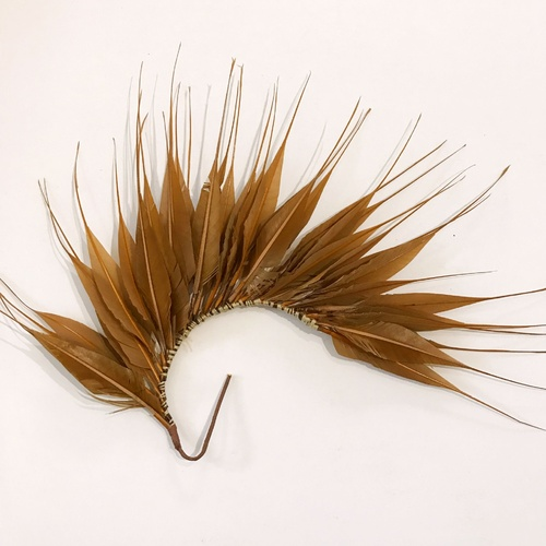 Feather Mount/Style 1 - Tan